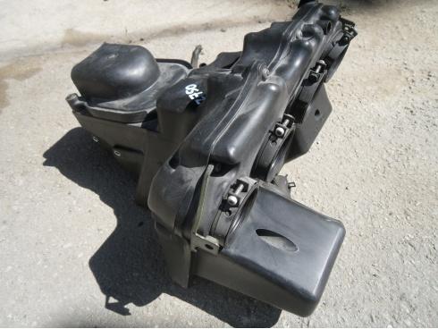 boitier filtre a air 750 z750 kawasaki pi ce moto occasion p17909. Black Bedroom Furniture Sets. Home Design Ideas