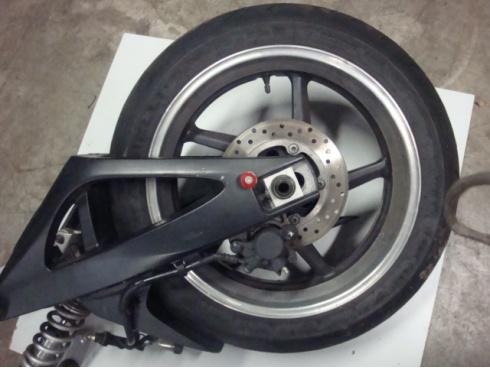 roue arri re 1000 r1 yamaha pi ce moto occasion p68538. Black Bedroom Furniture Sets. Home Design Ideas